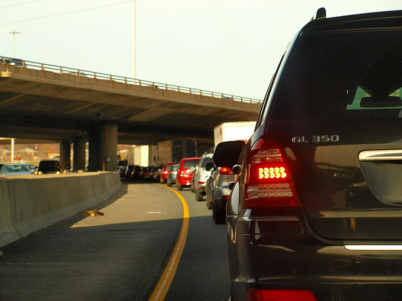 Creative Commons Attribution 2.0 https://commons.wikimedia.org/wiki/File:Traffic_Chaos!_(8658496939).jpg